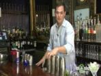 Image of How To Make Modern Mixed Drinks : 2 Mixed Drink Recipes - How To Make A French Kiss Martini from tastydays.com